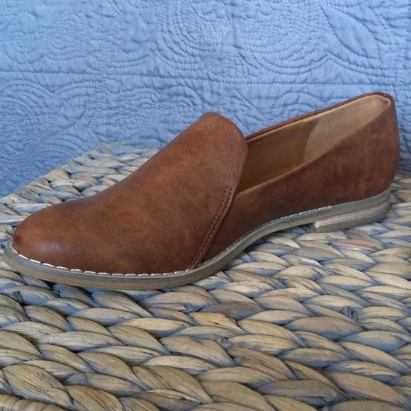 Brown Indigo Rd Women's Hani Loafer Flat
